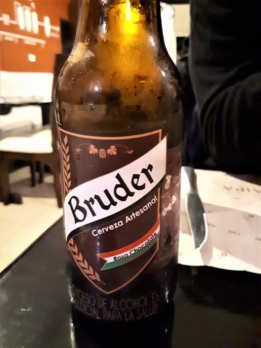 I Paipa fant vi lokalt brygget øl fra Boyacá